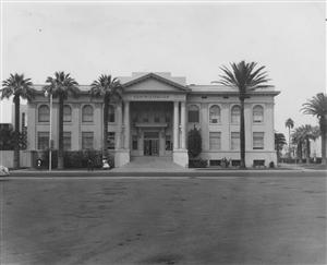 Historical image of the Phoenix Union High School building.
